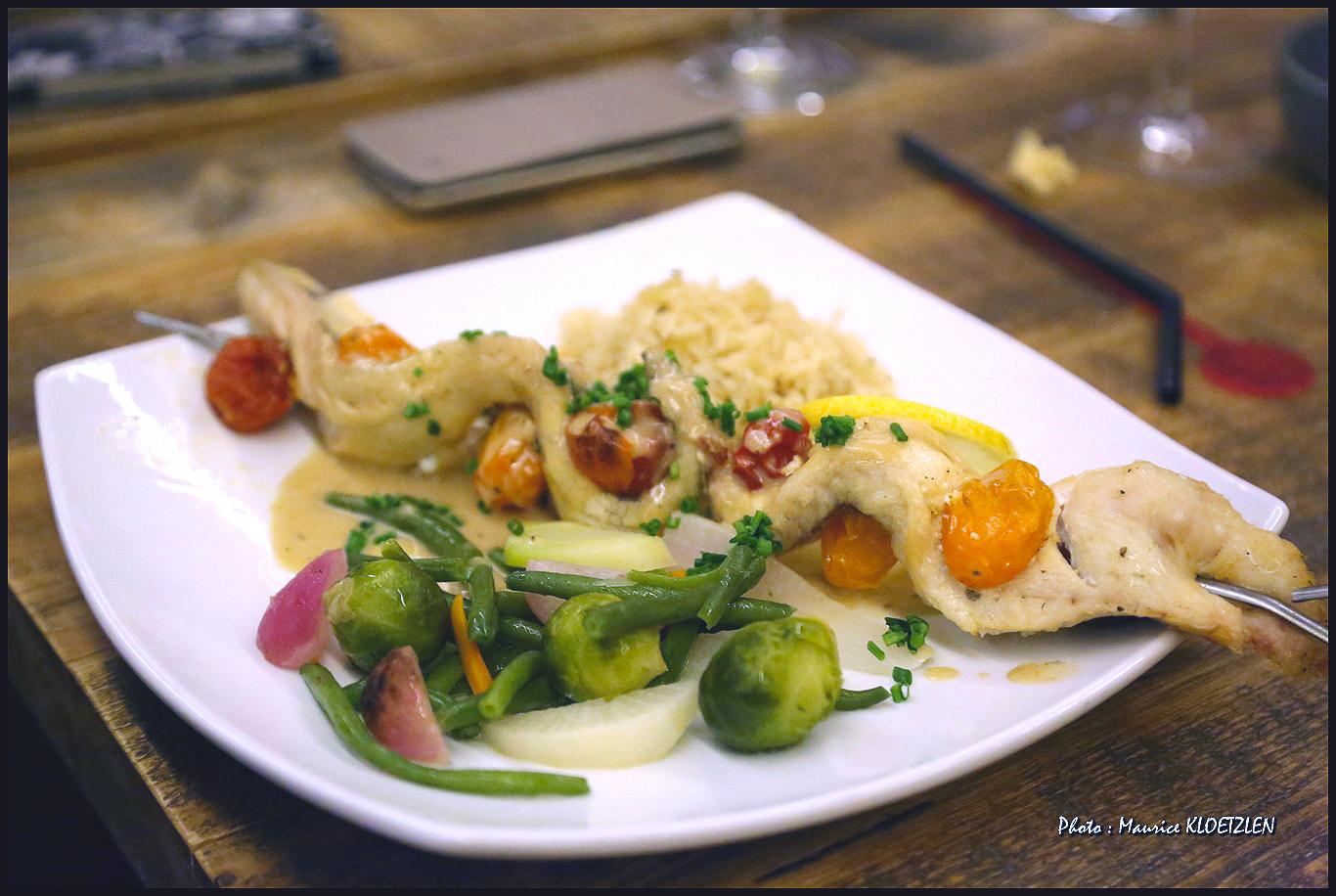 Brochette de poisson servie à l'Auberge du Hirtz