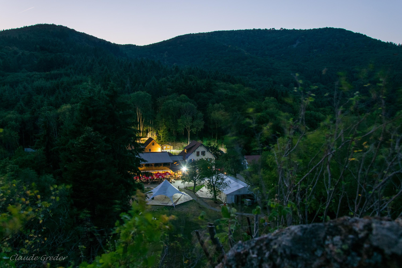 Photo du Domaine du Hirtz de nuit