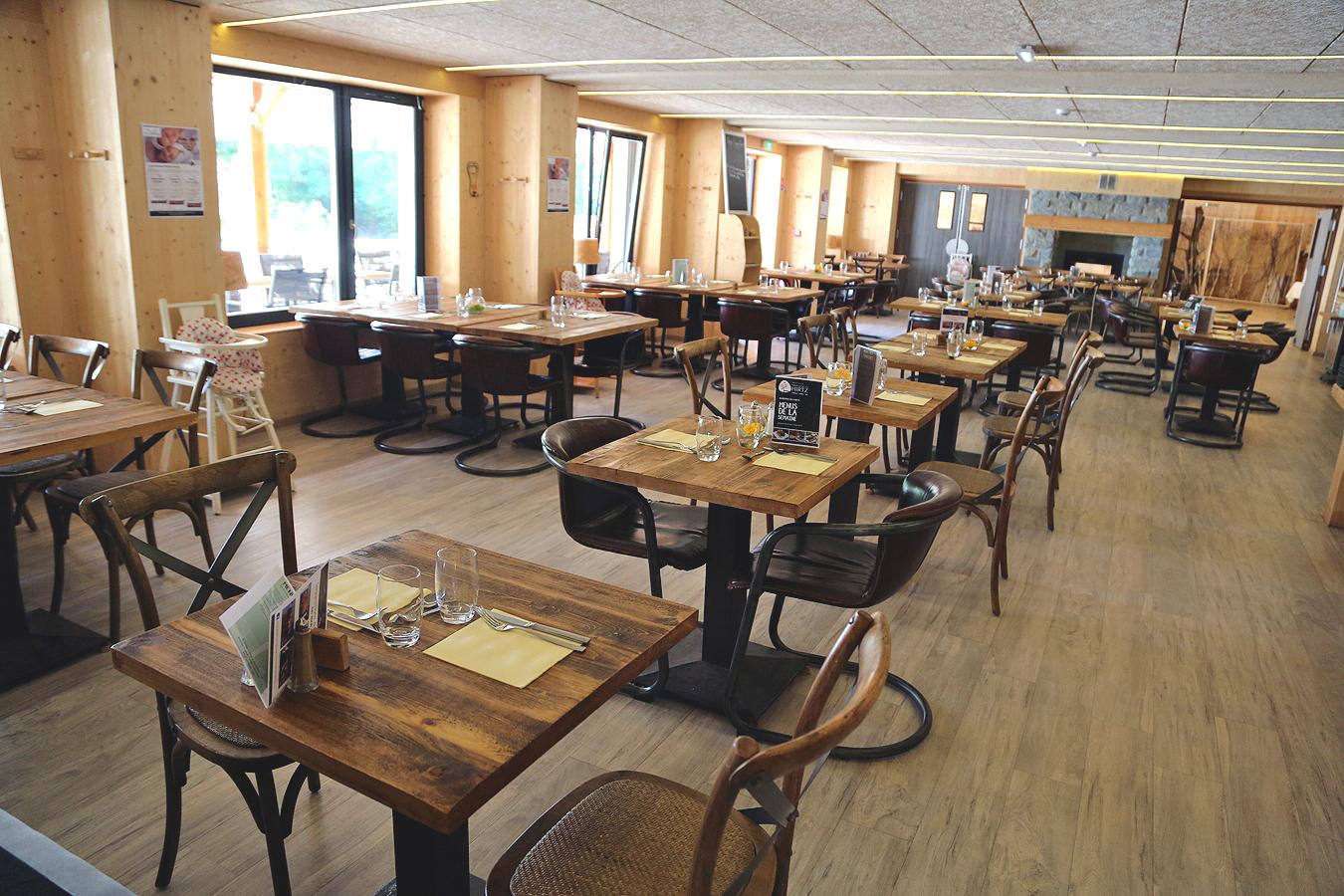 Salle du restaurant de l'Auberge du Hirtz