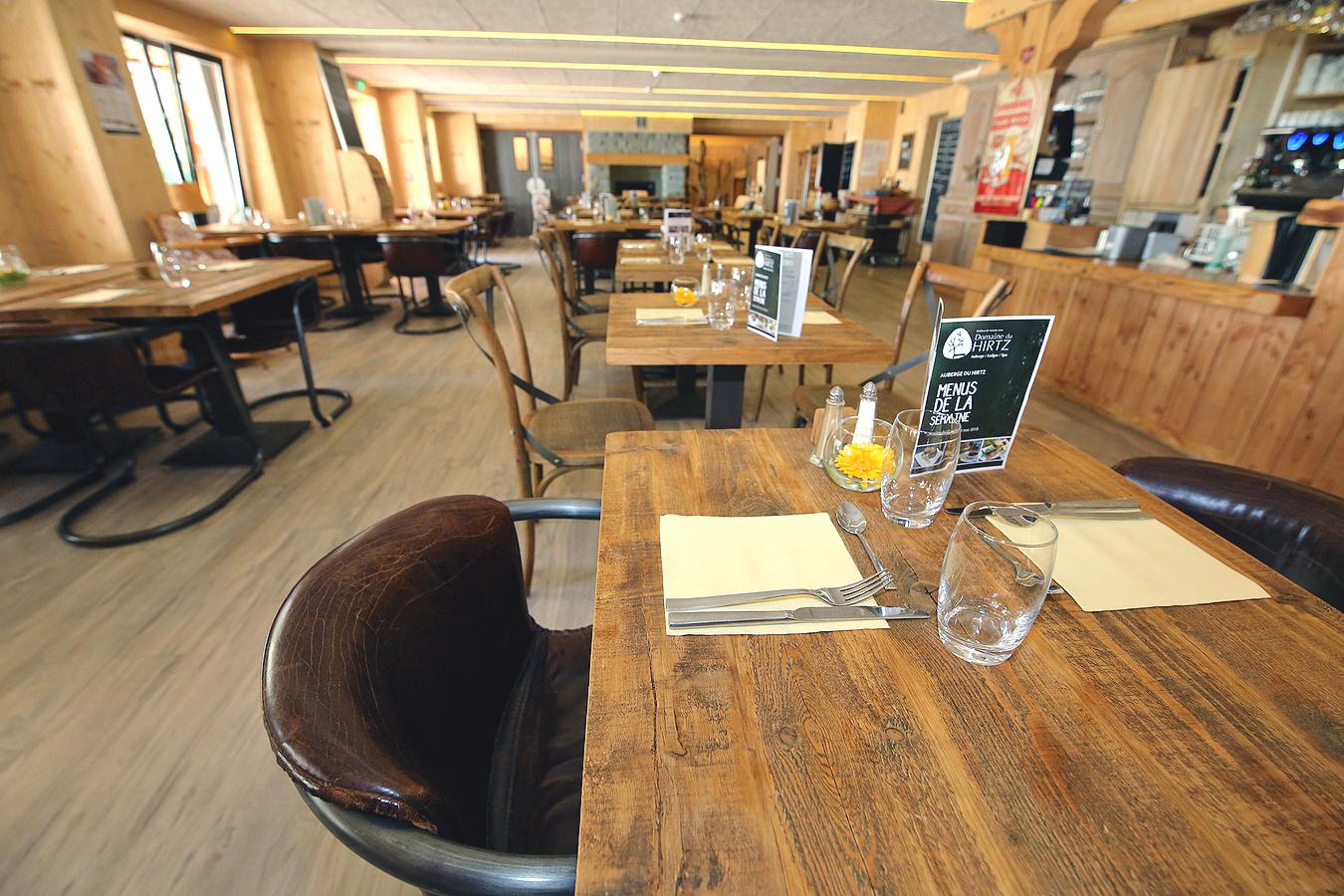 Grande salle du restaurant de l'Auberge du Hirtz